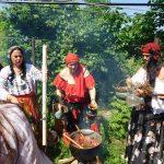 Vrăjitoarele din București la un ritual de zi